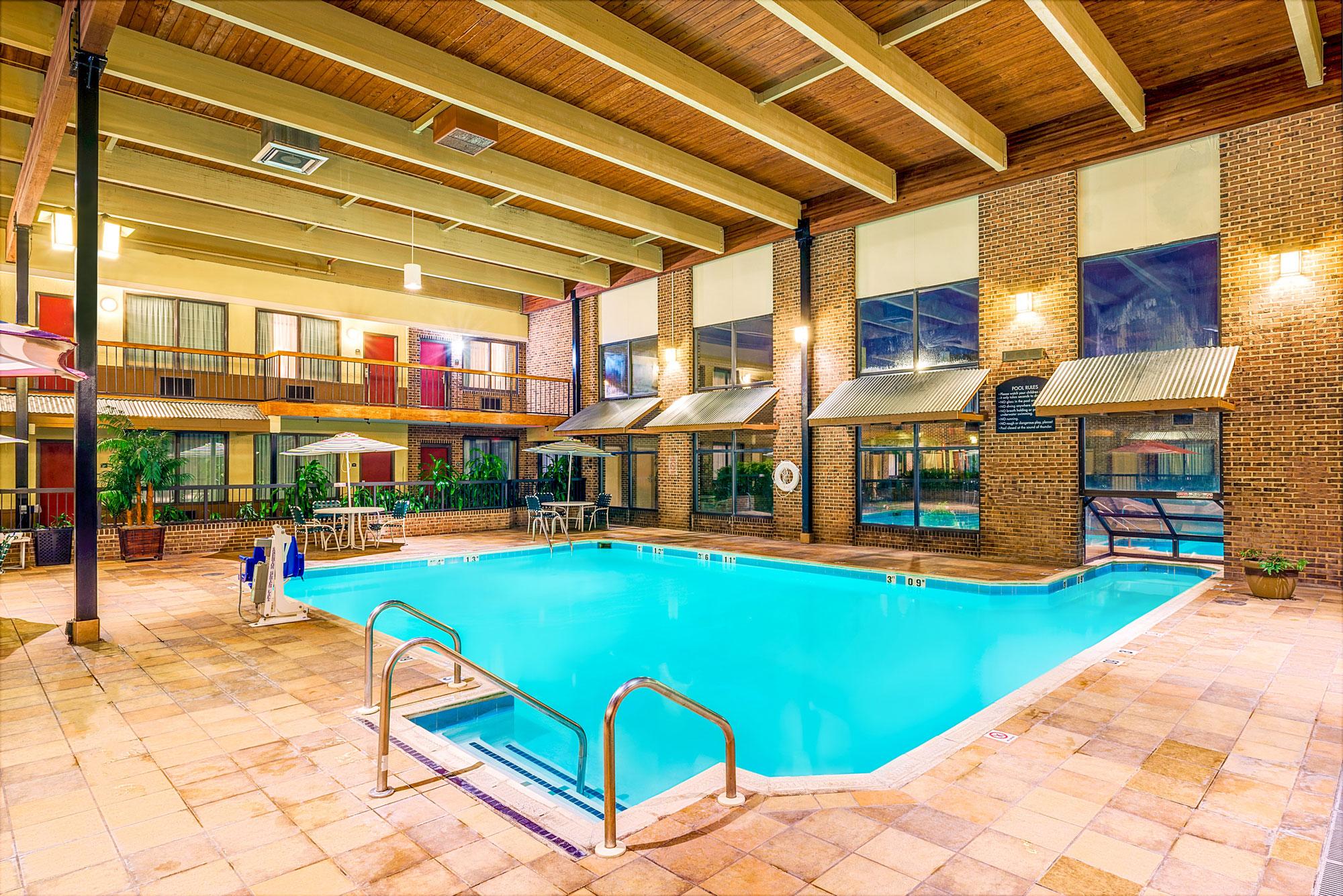 wyndham york hotel pool